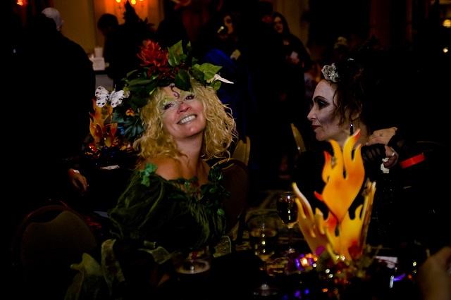 mydesingweek_salem Halloween_ Witches_ball_