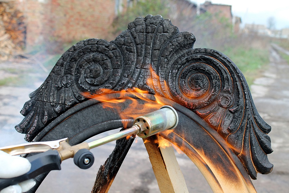 Yaroslav Galant | Furniture design trends: Burning furniture