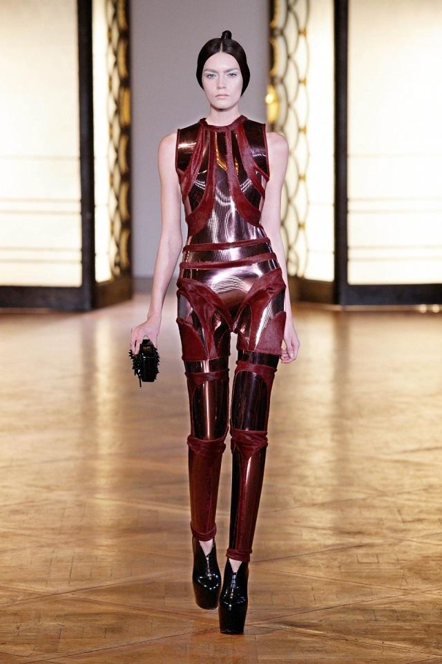 Hybrid Holism Haute Couture - July 2012, Paris Haute Couture Week | Iris van Herpen  Iris van Herpen Haute Couture  iris van herpen hybrid holism haute couture3