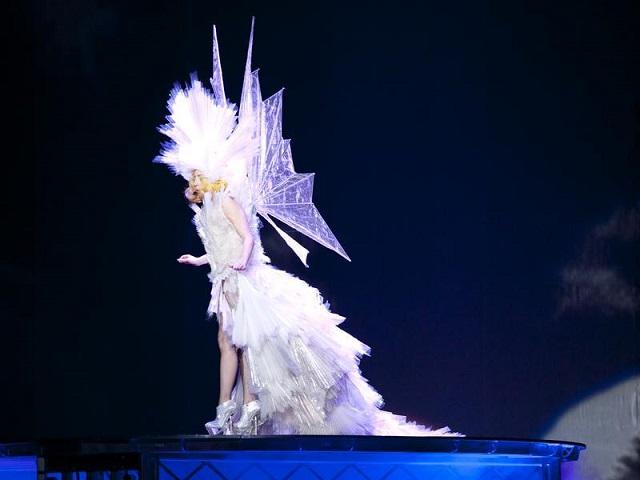 Palais Omnisports de Bercy | Lady Gaga's Weirdest Outfits  Lady Gaga's Weirdest Outfits  lady gaga palais Omnisports de Bercy