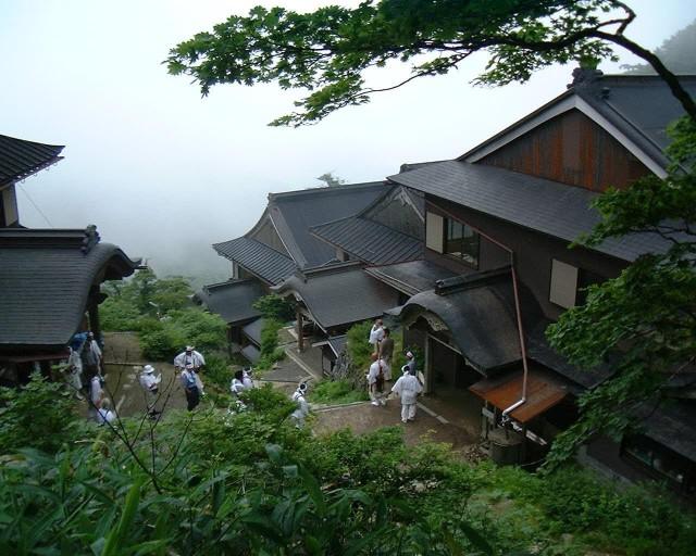 mt-koya-guest-houses-my-design-week-top-10-things-to-do-in-japan-2